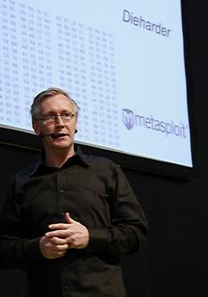 Secworks Joachim Strömbergson pratar på SEE 2012.